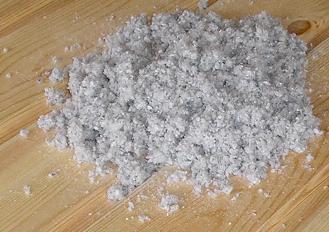 Cellulose loose-fill insulation