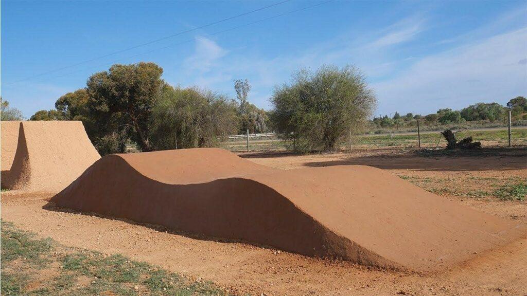 Roller dirt jump