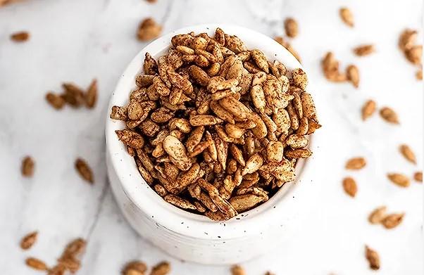 Spicy sunflower seeds